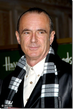 Francis Rossi of Status Quo greet fans and sign copies of their new DVD 'Status Quo: Just Doin' It Live' and their book 'Status Quo: Official 40th Anniversary Edition' in Harrods London, England - 10.11.06 Credit: Vince Maher/WENN